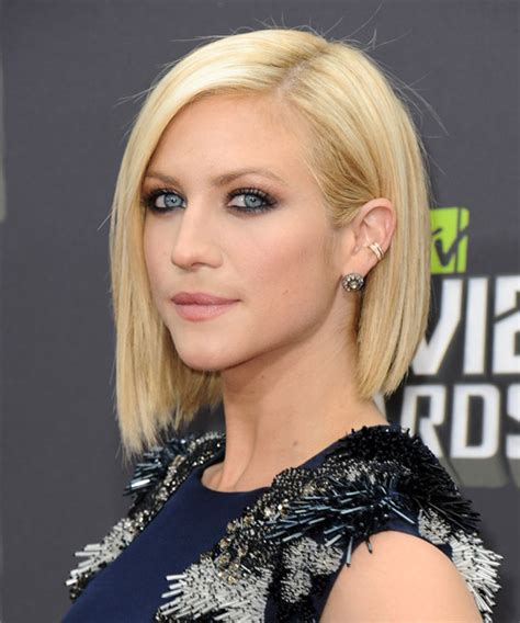 Brittany Snow Short Straight Hairstyle