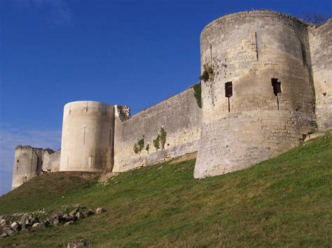 Coucy-le-Château, a photo from Picardie, North | TrekEarth