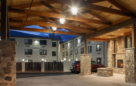 Grand Canyon Hotel - Red Feather Lodge in Tusayan - South Rim