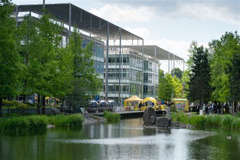 Venture X signs European Flagship at Chiswick Park