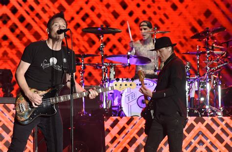 Watch Blink-182 play 'Enema Of The State' in full to