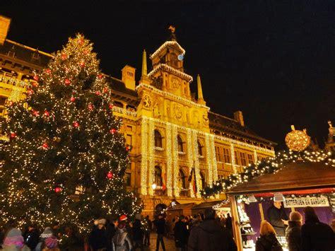 Feel the magic at the Christmas markets in Europe - WORLD