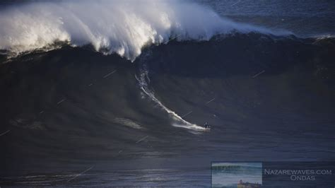 Day with the biggest waves of the season - NEWS - Nazaré