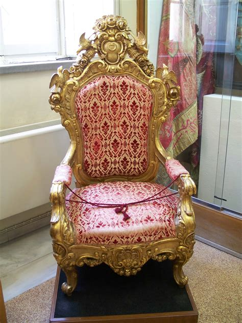 File:Ottoman throne seized from Thessaloniki in 1912
